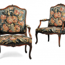 Paire de fauteuils en bois naturel garnis d'une tapisserie de Beauvais