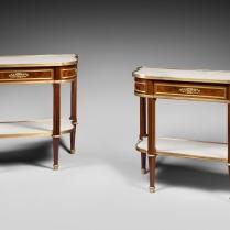 Paire de consoles-dessertes de style Louis XVI